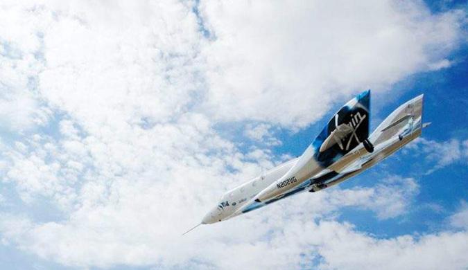维珍银河公司CEO:明年初将游客送上太空