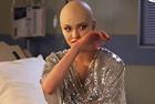 女模假装患癌参加真人秀