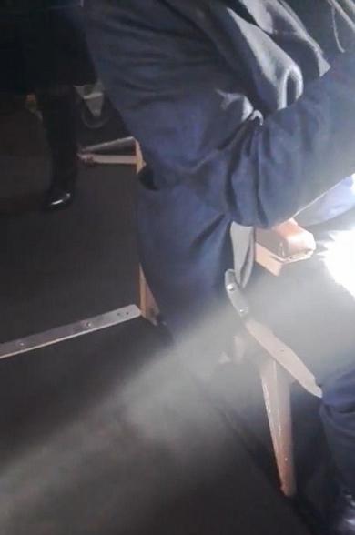 俄罗斯一客机机舱内烟雾弥漫引乘客惊慌
