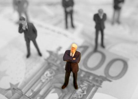 美国H1B工签批准率创新低 平均年薪提高至9.2万美元