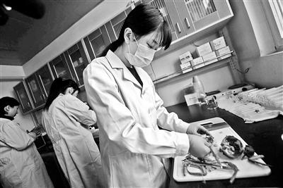 """北京:大闸蟹""""体检""""重点查抗生素和孔雀石绿"""