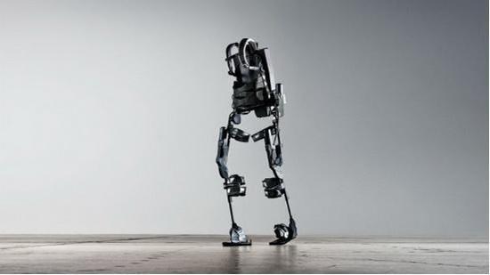 康复者的福音 穿上这款机器人外骨骼能自由转身