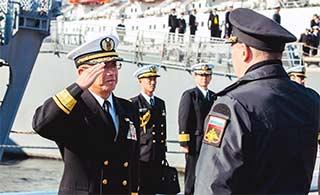 日本2艘军舰访问俄罗斯海参崴