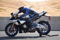 雅马哈进化版机器人摩托车手:可独自驾驶车辆