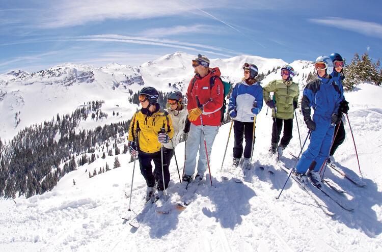 过年玩点新花样 俄罗斯滑雪胜地等你来
