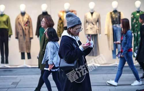 北京气温骤降 住建部:根据天气情况可提前供暖