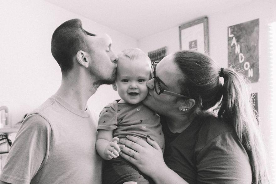 能量饮料致丈夫脑溢血终身残疾 妻子怀孕9月不离不弃