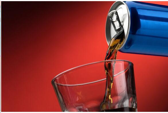 法媒:青少年对功能性饮料认知不足 过度饮用不利健康