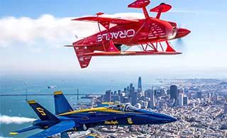 美蓝天使表演队展示顶级飞行技术