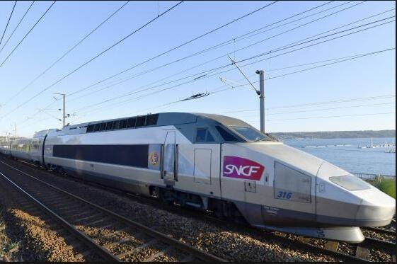法国铁路公司打折扣牌 网民称票价高 是欺骗性广告