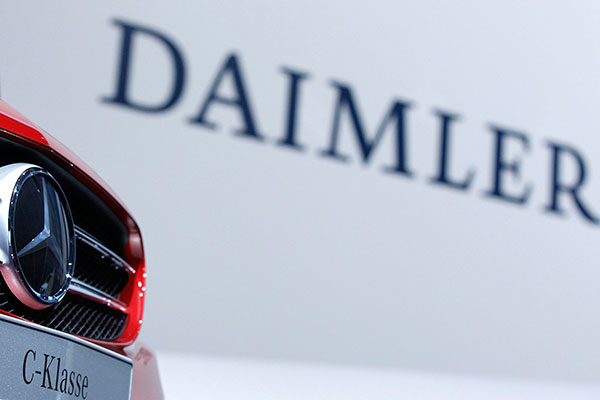 安全氣囊部署不當 戴姆勒全球召回逾百萬輛奔馳
