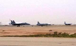 F15和枭龙战机并肩作战演习
