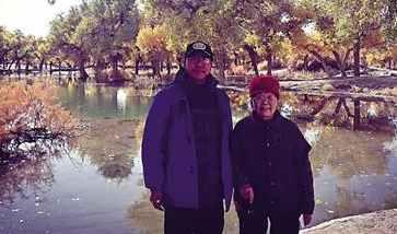 儿子带89岁母亲旅游