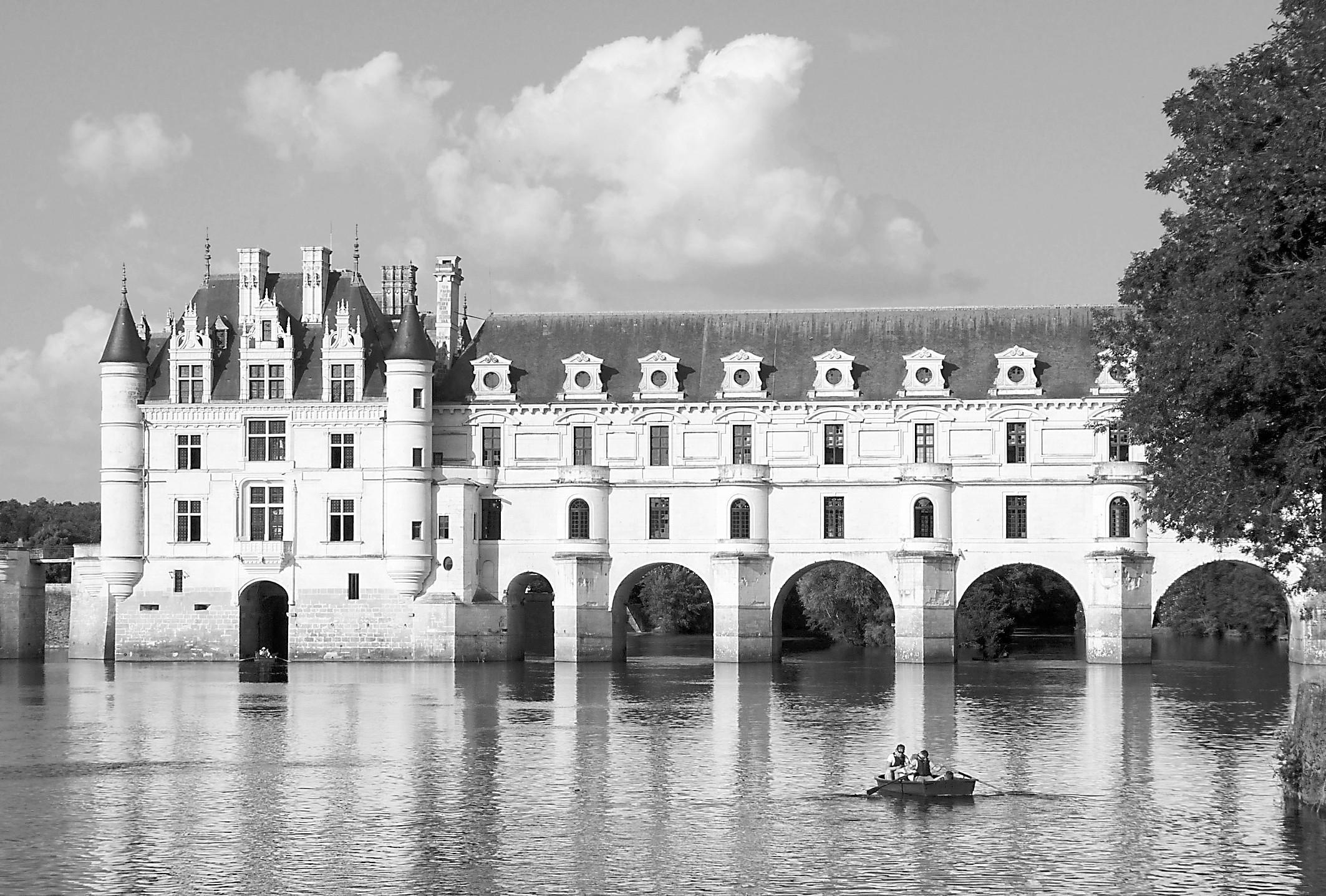 """法国宫廷恩怨成就""""水上城堡"""""""