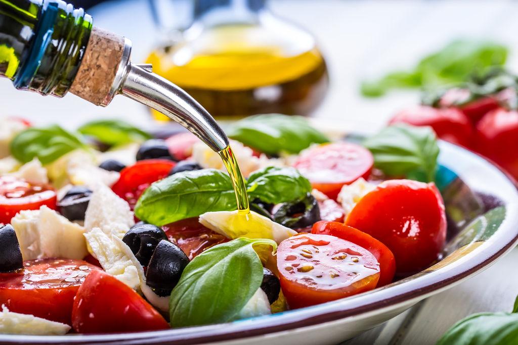 """法媒推荐蔬菜沙拉调味""""神器"""" 油醋汁让美食更加健康"""