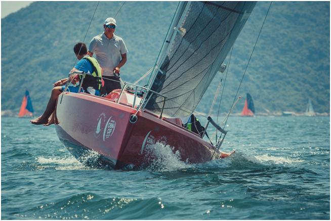 百名青少年水手扬帆中国杯 引龙骨帆船规模创纪录