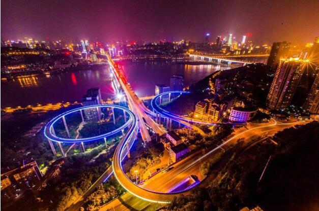 重庆:冒着烟火气的迷人之城