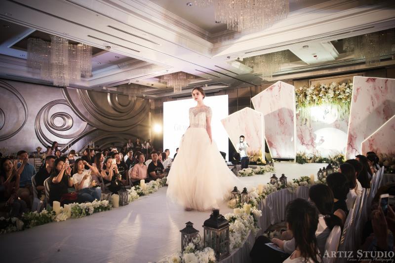 韩国艺匠和Grace Kelly联合Ritz-Carlton 打造最美婚纱秀
