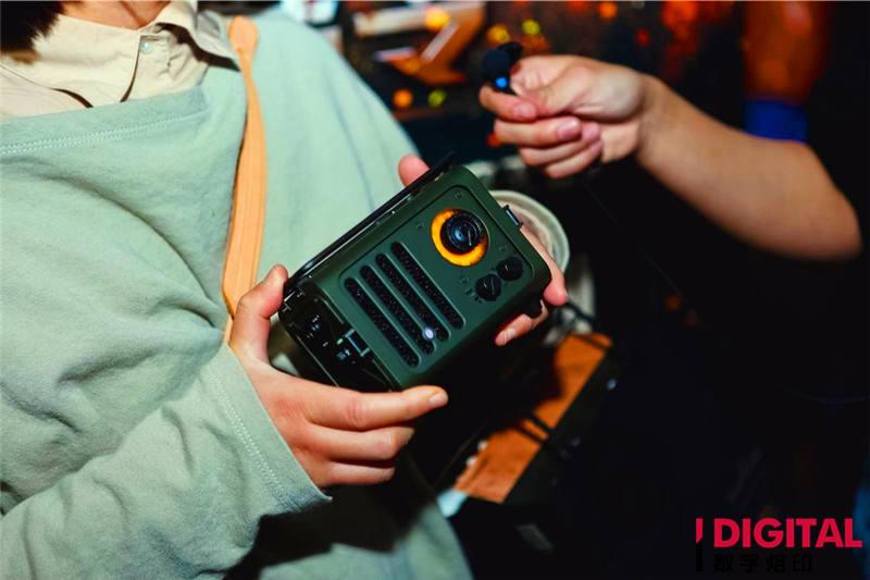 爆了?猫王RADIOOO野性收音机限量199台,上线四天售罄