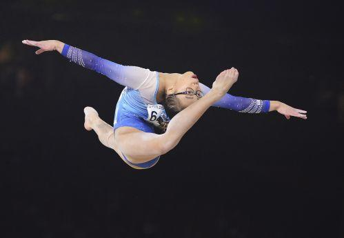 美华人体操冠军的成长路 养母:想带她去中国看看