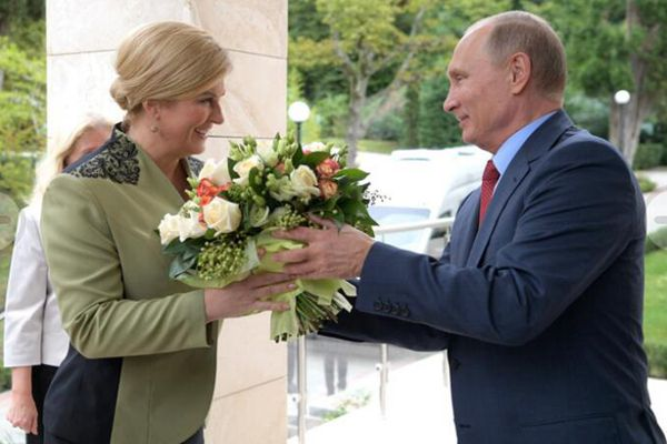 普京会见克罗地亚女总统