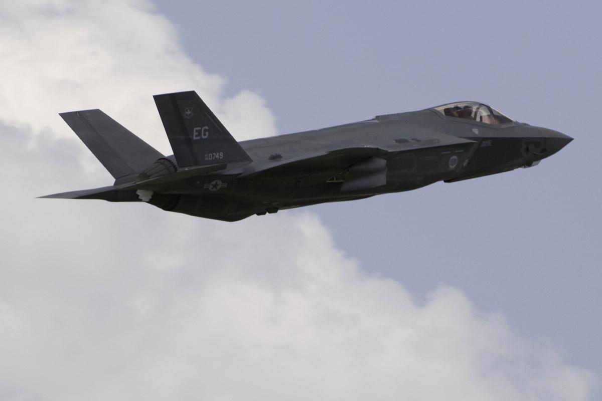 美官员撺掇台湾买新战机 称双方已讨论F35能力