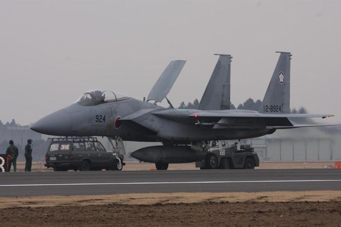 飞机遭日战机拦截还替对方开脱 网民:台湾软了