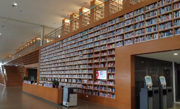 书店图书馆相继杀入共享图书市场 新书怎么办?
