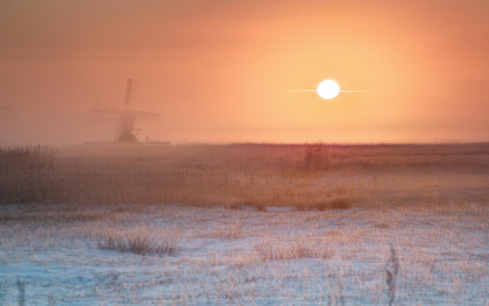 荷兰挪威雪后日出