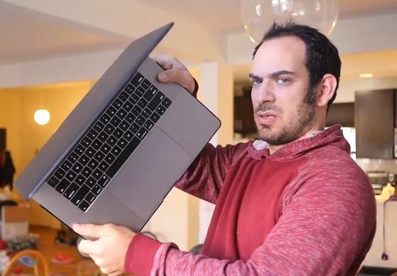 科技雷不撕:音乐人写歌吐槽MacBook空格键容易坏