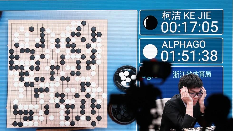 AlphaGo新版本问世:自学40天就能赢柯洁