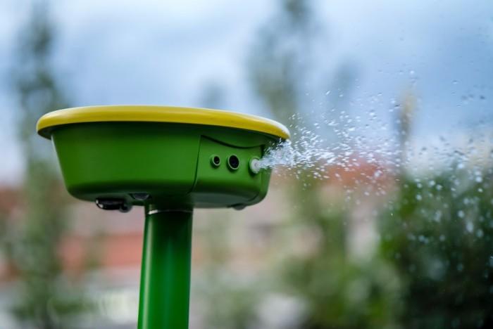 园艺新高手:园丁机器人能向植物和害虫喷洒水