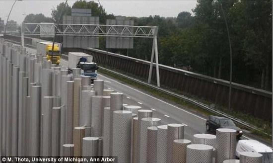 """科学家想出了新型""""隔音墙"""":能降低90%公路噪音"""