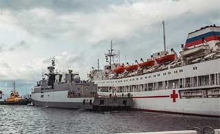 印军舰在俄军港撞上俄医院船