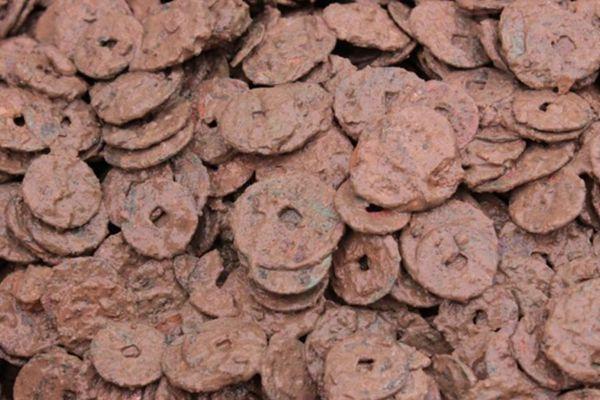 江西景德镇一村出土4000多公斤古钱币