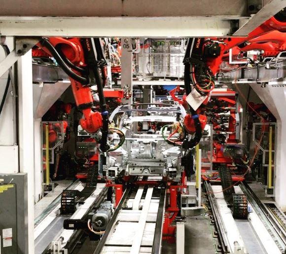 特斯拉将Model 3延迟交付归咎于供应商