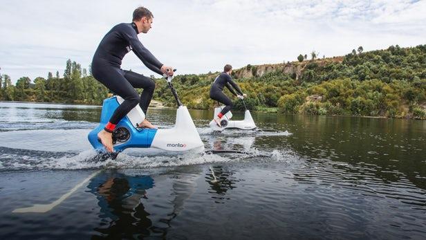 Manta 5电动辅助踏板式水翼自行车能浮在水面上