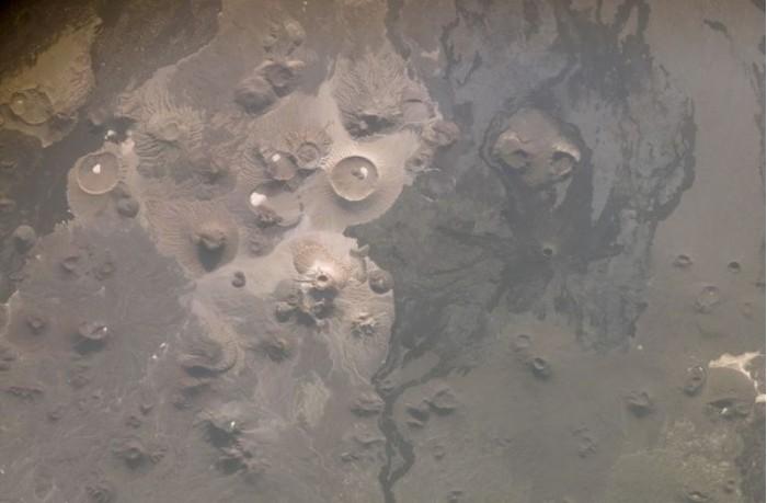 """考古学家在沙特阿拉伯发现""""地狱之门"""""""