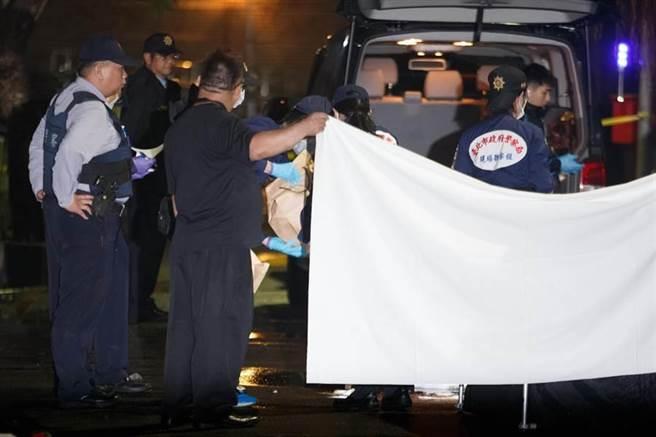 台大女生宿舍楼前泼硫酸案1死三伤 死者疑为凶嫌