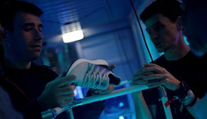 阿迪达斯由机器人生产的跑鞋将开售 售价222美元