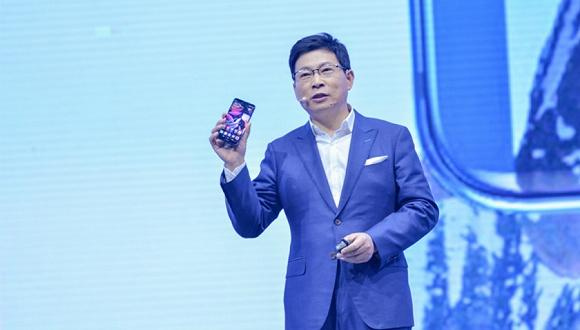 华为发布Mate 10手机 余承东希望拉开和苹果差距