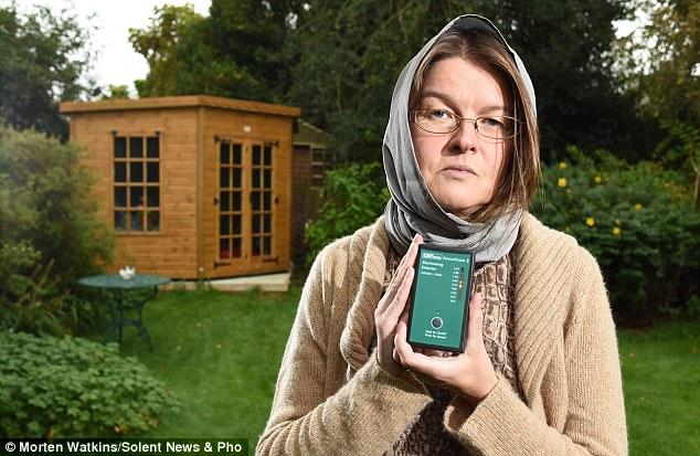 英44岁女治疗师对Wi-Fi过敏这些人还有很多