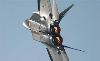 韩国航展F22战机卖力表演