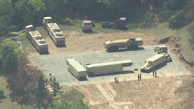 韩媒:驻韩美军一座萨德炮台启用 兵力部署完成