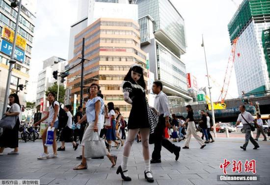 日媒:赴日游客破2000万 中国客支出超总消费额4成