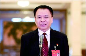 北京儿童医院贾立群代表:要为医疗均衡做更多努力