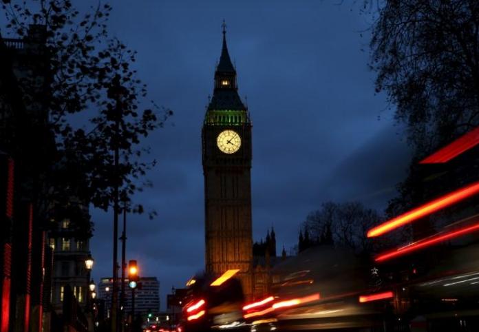 """伦敦宣布对高污染车辆征收""""毒气费"""""""