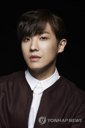韩演员李准低调入伍 将服役21个月