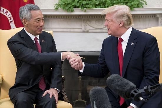 李显龙谏言美搞好对华关系:不想卷入两国冲突