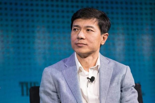 李彦宏:与北汽合作要研发第四级无人驾驶汽车